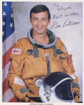 NASA Astronaut Donald H. Peterson: signed Photo